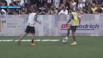 Neymar se régale lors d'un tournoi de Foot Five