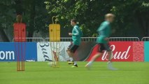 Mesut Özil quitte la séléction allemande, dénonçant du racisme - 23/07/2018