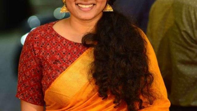 വൈറലാവുന്ന ചിത്രങ്ങളുടെ സത്യം വേദനയോടെ നടി തന്നെ വെളിപ്പെടുത്തി | filmibeat Malayalam