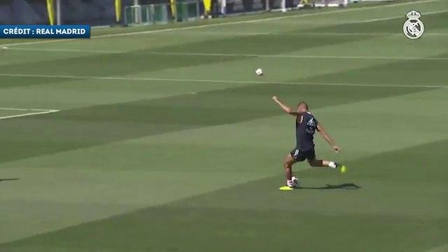 Karim Benzema en grande forme à l'entraînement !