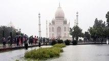 Taj Mahal पर भी बरसात का कहर, Taj Mahal Premises में भी घुसा पानी, बना तालाब | वनइंडिया हिन्दी