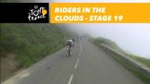 Descente du Col d'Aubisque dans les nuages / Riders in the clouds - Étape 19 / Stage 19 - Tour de France 2018