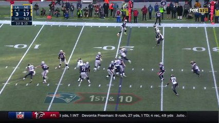 2016 - Can't-Miss Play: Brady finds leaping Edelman while getting sacked