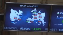 La Bolsa española pierde un 0,14% arrastrado por Europa, aunque conserva los 9.800 puntos