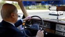 Klasik Otomobilinin Direksiyonuna Geçen Bahçeli, Eline Tesbih Alıp Yola Çıktı