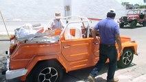 Deportes del Manatí:  VW safari, estacionandose bajo sombra