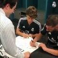 La plantilla del Real Madrid firma autógrafos en Miami