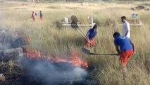 Polis ekipleri tarihi mezarlık alanında çıkan yangına TOMA ile müdahale etti
