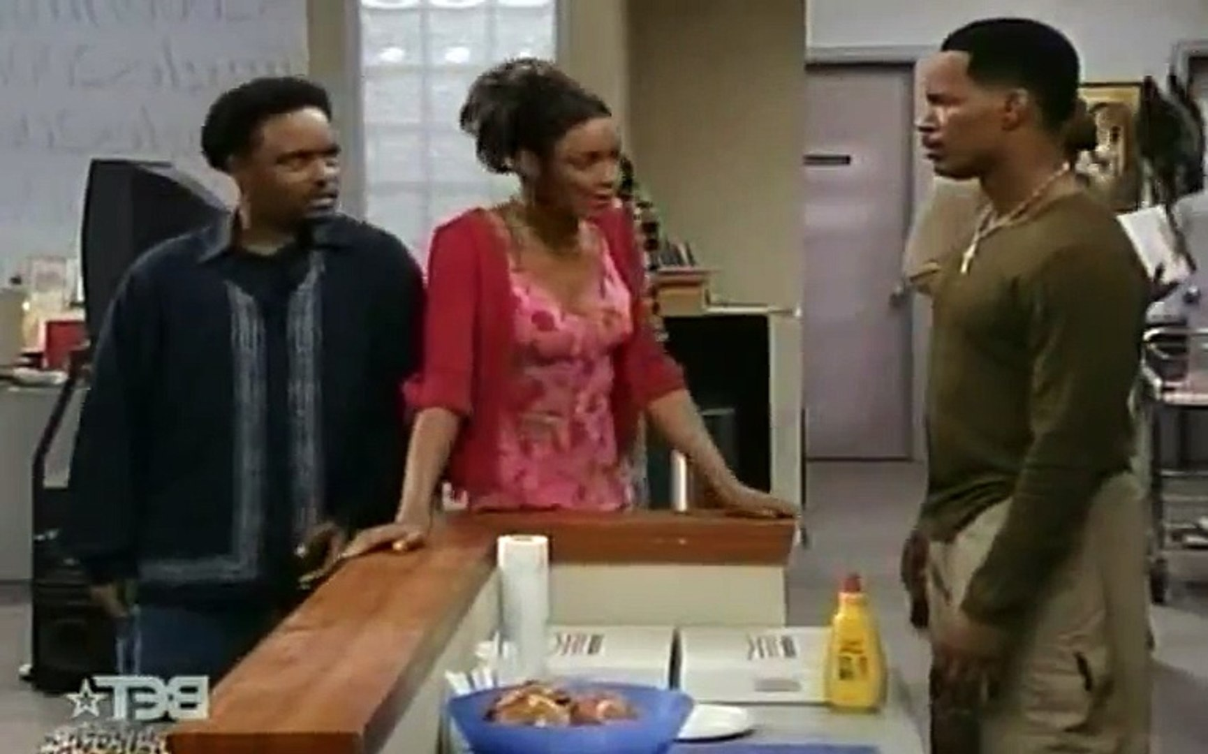 The Jamie Foxx Show S04 - Ep20 Jamie in the Middle HD Watch