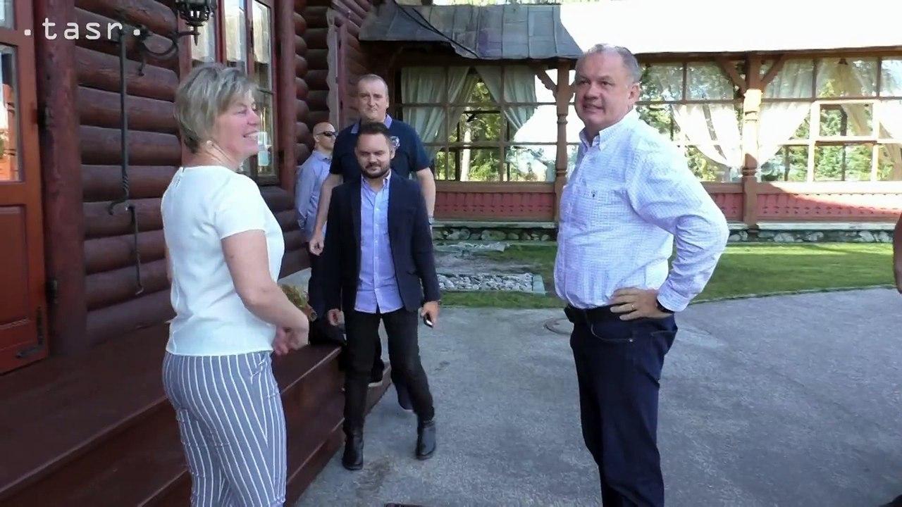 Prezident A. Kiska navštívil tatranské obce postihnuté povodňami
