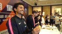 PSG - Séance de dédicaces et cours de cuisine à l'hôtel pour les joueurs