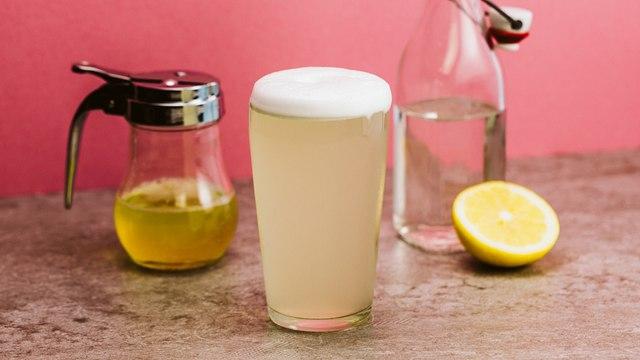 Gin Fizz Cocktail Recipe - Liquor.com