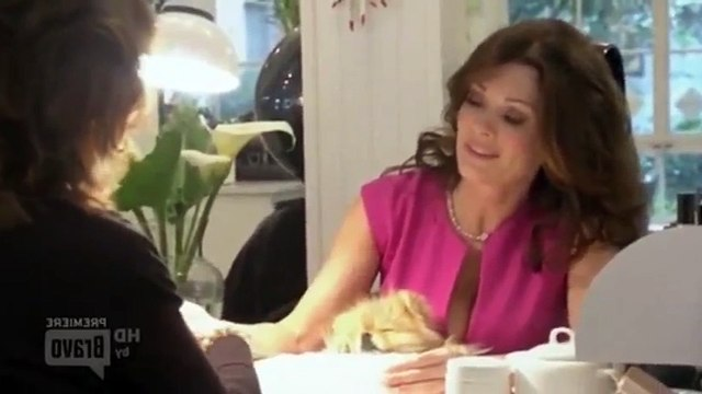 The Real Housewives of Beverly Hills S02 - Ep01 Back to Beverly Hills HD Watch