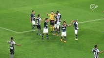 Chama o VAR! Lance polêmico irrita jogadores do Botafogo no Nilton Santos