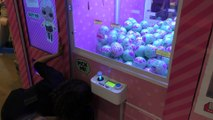 LOL Surprise! Doll Claw Game Unboxing Booth _ LOL Surprise! Pets unveiled in New York City