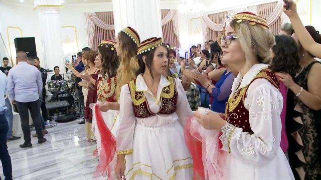 Emigrantët kthehen për dasma, pushime në atdhe për të lidhur kurorë