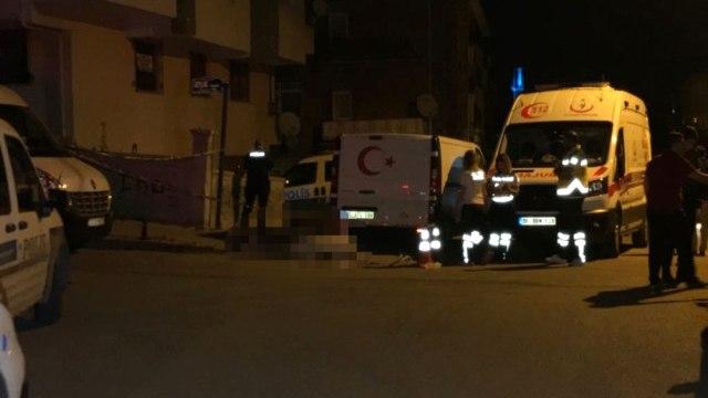 Ankarada, Taksi Şoförü Tartıştığı İki Genci Bıçaklayıp Kaçtı! Polis, Kan Damlalarını Takip Edip Yakaladı