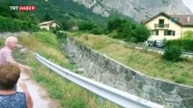 İsviçre'de şiddetli yağmur nedeniyle bir köyü sel bastı