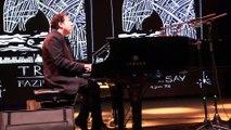 """Piyanist ve besteci Fazıl Say, Troia Festivali için özel olarak bestelediği """"Troia Sonatı"""" adlı eserini ilk kez hayranlarına sundu"""