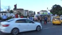 Mevsimlik Tarım İşçilerini Taşıyan Minibüs Devrildi: 1'i Çocuk 22 Yaralı