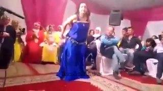 شوف العود الازرق اشنو كيعمل في هدا العرس الشعبي