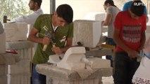Jordânia: refugiados começam a restaurar a antiga Síria, um tijolo de cada vez