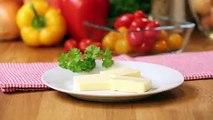 Nervige Eierschalen aus dem Teig bekommen, die Butter schnell auf das Brot streichen können oder Fleisch und Gemüse selbst vakuumieren - diese drei Tricks zeige