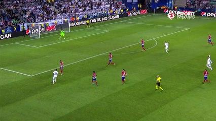 Em bonita jogada, Asensio quase vira o jogo para o Real Madrid!