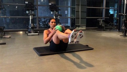 HILIT Workout Russian Twists with Medicine Ball