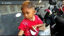 Cet enfant de 2 ans qui fume 2 paquets de cigarette par jour choque le web