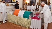 Pranab Mukherjee, LK Advani, Sushma Swaraj pay homage to Vajpayee | OneIndia News