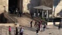 İsrail Askerleri Mescid-i Aksa Önünde Bir Filistinliyi Öldürdü- İsrail Askerleri Mescid-i Aksa'nın...