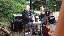 Soirée piano bar animée par le chanteur Gilles, vendredi 17 août