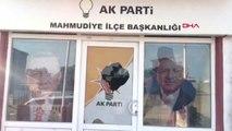 Eskişehir AK Parti Mahmudiye İlçe Başkanlığı Binasına Taşlı Saldırı