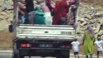 Mezarlık dönüşü kamyonette tehlikeli yolculuk kamerada