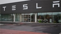 Elon Musk Said Tesla Could 'Maybe' Make a $25,000 Electric Car In 3 Years