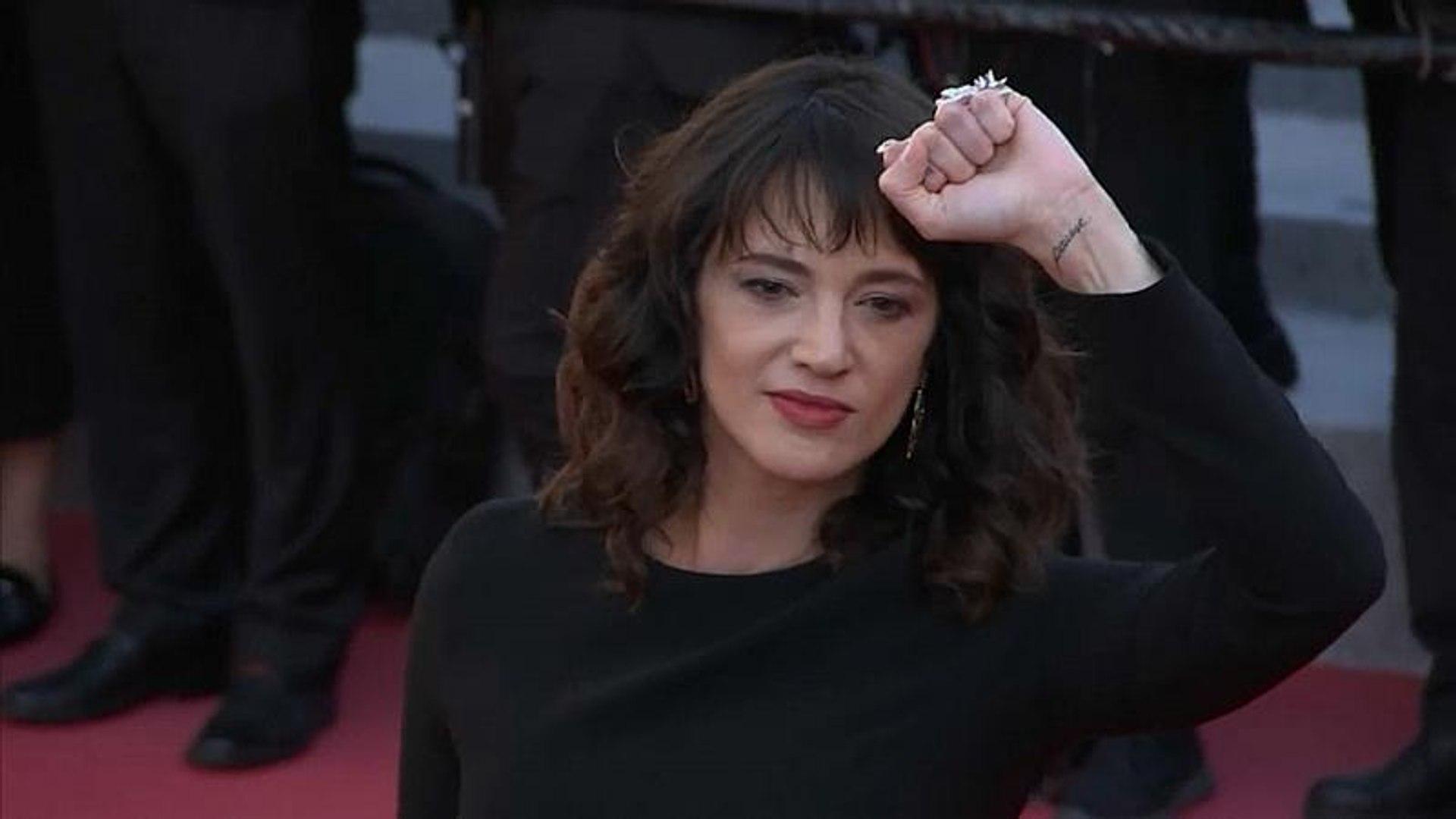 Asia Argento terá pago a ator norte-americano que a acusou de abuso sexual