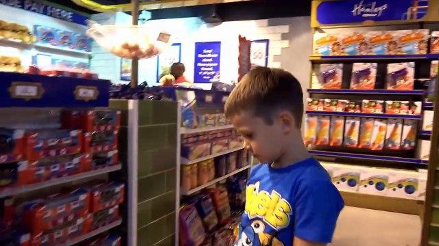 СУПЕР Огромный магазин игрушек в Мире Hamleys 6 этажей миллионы игрушек и целый