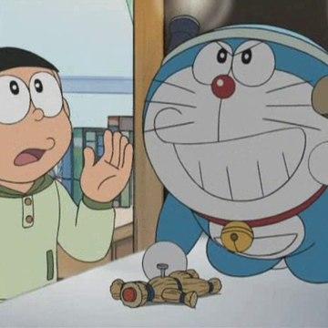 Doraemon (2005) - A maldición do boneco da risa e Un amigo longo e delgado