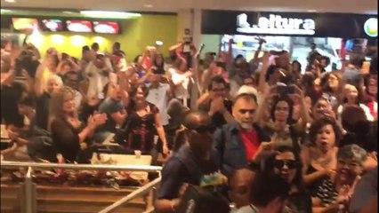 Lulaço em shopping de Brasília
