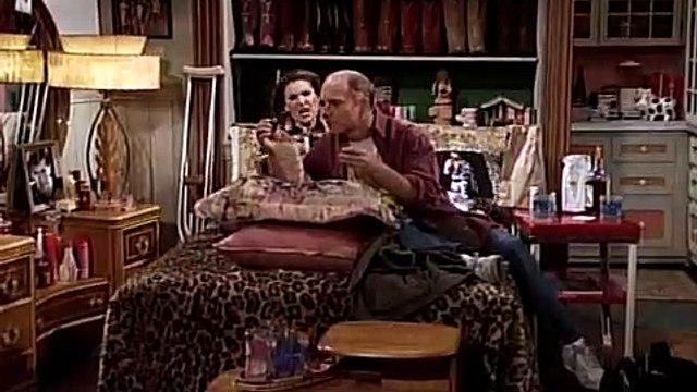Frasier S02E12 Roz in the Doghouse