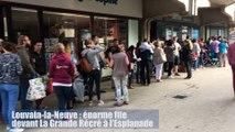 Louvain-la-Neuve : énorme file devant La Grande Récré à l'Esplanade