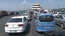 Çanakkale'de Dönüş Yoğunluğu...5 Kilometrelik Araç Kuyruğu Oluştu
