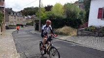 Michel Thomé lors de sa 15e montée du mur de Huy !