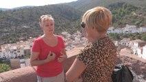 Una guía turística aficionada es amenazada por una multa de 600.000 euros por enseñar su pueblo