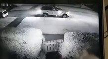 HILARANT : Ce voleur tente de dérober une voiture mais ce que fait le propriétaire du véhicule fait le buzz dans tout le WEB.