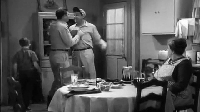 The Andy Griffith Show S04E23 Andy Saves Gomer