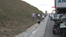 İstanbul Yavuz Sultan Selim Köprüsü Çıkışında Feci Kaza 2 Ölü Biri Ağır 2 Yaralı