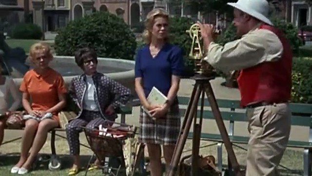 Bewitched S05xxE09 Samantha Fights City Hall