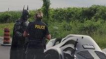 Batman arrêté par la police (Canada)